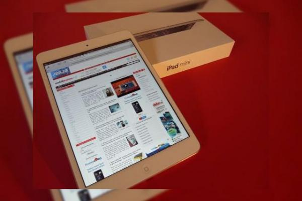 iPad Mini unboxing Mobilissimo.ro - scoatem din cutie o tabletă Apple inedită (Video)