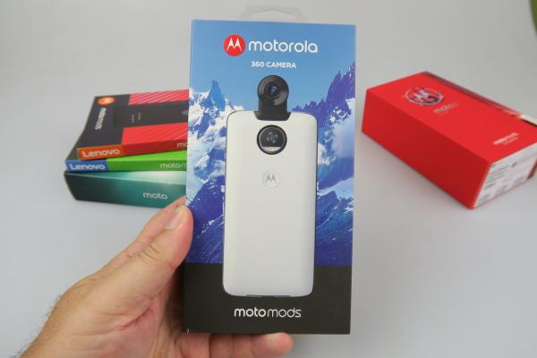 Unboxing Moto Mods