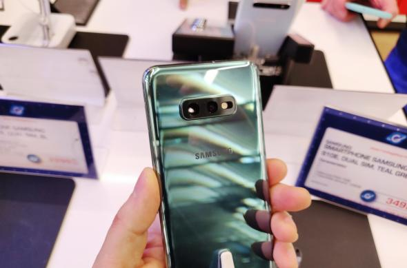 Fotografii hands-on cu Samsung Galaxy S10e: Samsung-Galaxy-S10_104_0.jpg