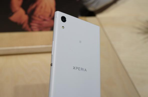 Sony Xperia XA1 Ultra - Fotografii Hands-On de la evenimente: Sony-Xperia-XA1-Ultra_002.JPG