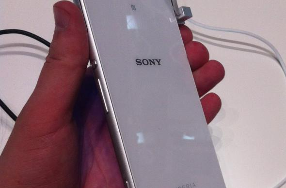 IFA 2014: Sony Xperia Z3 Compact hands on - micul flagship care controlează un PlayStation 4 (Video): img_0643jpg.jpg
