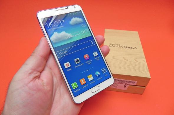 Samsung Galaxy Note 3 unboxing: scoatem din cutie un candidat foarte solid la phabletul anului 2013 (Video): samsung_galaxy_note_3_review_mobilissimo_ro_41jpg.jpg