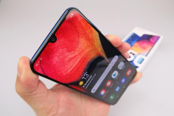 Samsung Galaxy A50 - Unboxing