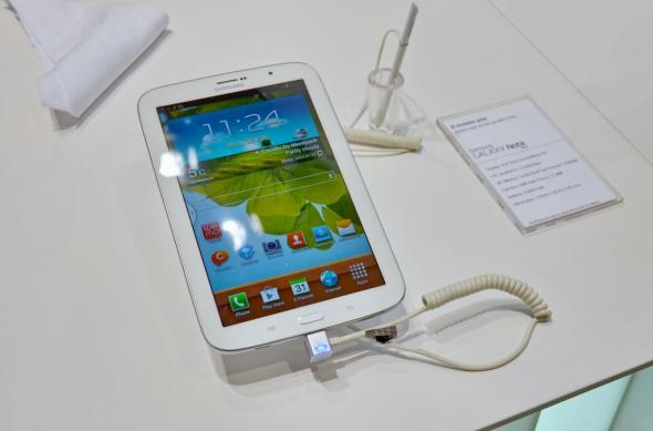 MWC 2013: Samsung Galaxy Note 8.0 Într-un preview detaliat Mobilissimo.ro (Video): samsung_galaxy_note_8_0_14jpg.jpg