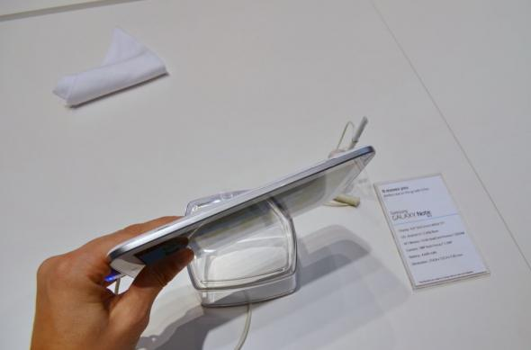 MWC 2013: Samsung Galaxy Note 8.0 Într-un preview detaliat Mobilissimo.ro (Video): samsung_galaxy_note_8_0_12jpg.jpg