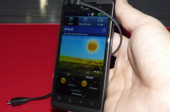 Primul telefon 3D din România Într-un preview Mobilissimo: LG Optimus 3D la Orange Concept Store (Video): lg_optimus_3d_orange_concept_store_6.jpg