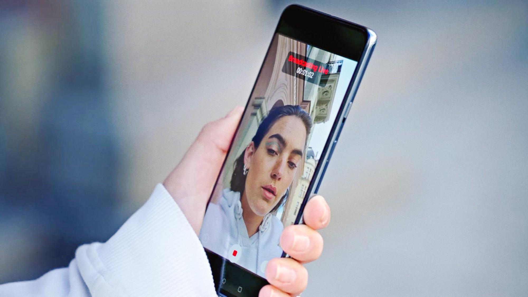 OnePlus Nord are dotările menționate într-un slide de prezentare oficial; Vine cu ecran 90Hz și scanner de amprente în display