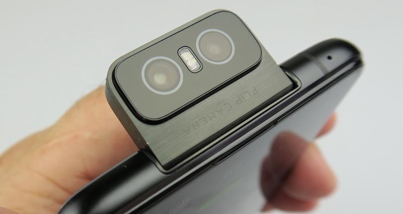 ASUS pregătește telefoanele ZenFone 7 și ZenFone 7 Pro, cu mecanism de cameră flip preluat de la modelul din 2019