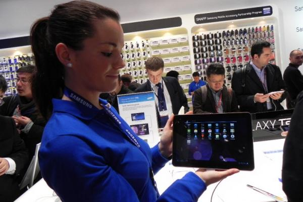 MWC 2011: Samsung Galaxy Tab 10.1 Într-o experiență hands on pentru Mobilissimo (Video)