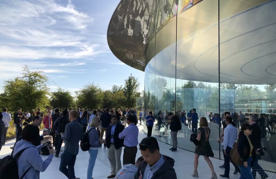 Live Blogging lansare iPhone Xs, iPhone Xs Max, Apple Watch Series 4, iPad Pro 2018 - imaginea 7