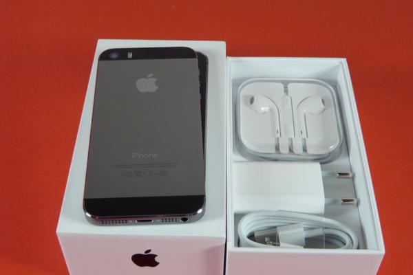 iPhone 5s unboxing: upgrade Însemnat pentru iPhone 5, software ușor dezamăgitor la primul contact (Video)