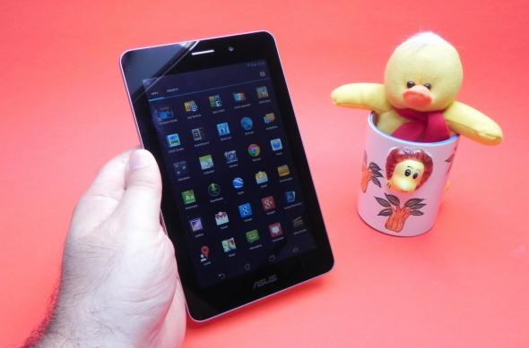 Review ASUS FonePad: un Nexus 7 metalizat, cu procesor single core Intel și apeluri telefonice (Video): asus_fonepad_review_mobilissimo_ro_17jpg.jpg