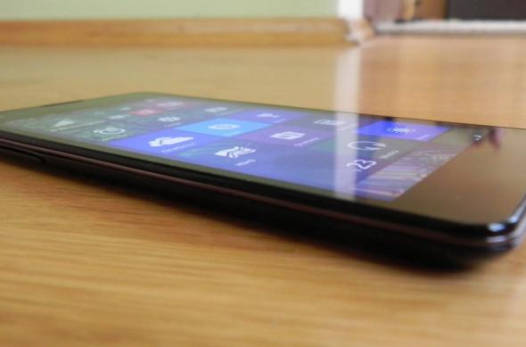 Allview Impera I review: cel mai atractiv design de handset Windows Phone, impresii preliminare OK (Video): allview_impera_i_review_010jpg.jpg