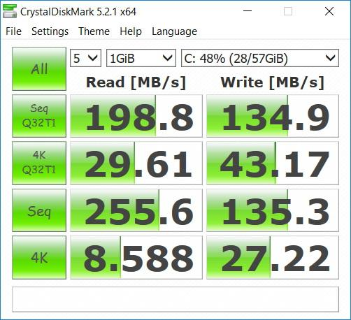 Benchmark-uri Acer Switch 3: CrystalDiscMark.jpg