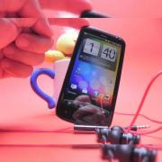 Review HTC Sensation XE - senzație de toamnă cu extra bas, cameră și grip of death...(Video)