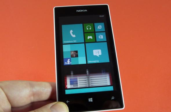 Nokia Lumia 520 review: raport calitate-preț imbatabil și acustică fără reproș (Video): nokia_lumia_520_review_mobilissimo_ro_21jpg.jpg