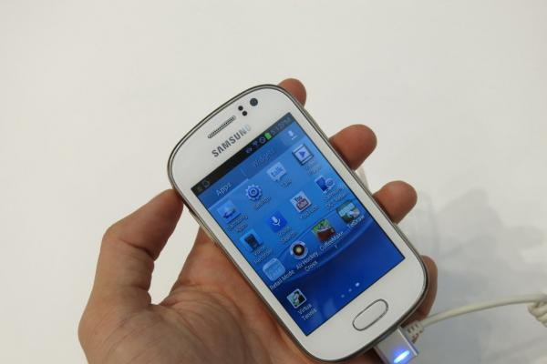 MWC 2013: Samsung Galaxy Fame În acțiune la Barcelona, Într-un hands on preview rapid (Video)