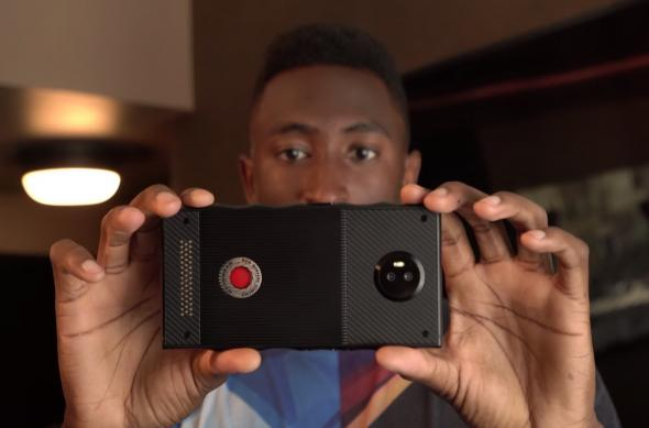 Fotohrafii hands-on RED Hydrogen One: 2017-08-02_20-02-30.jpg