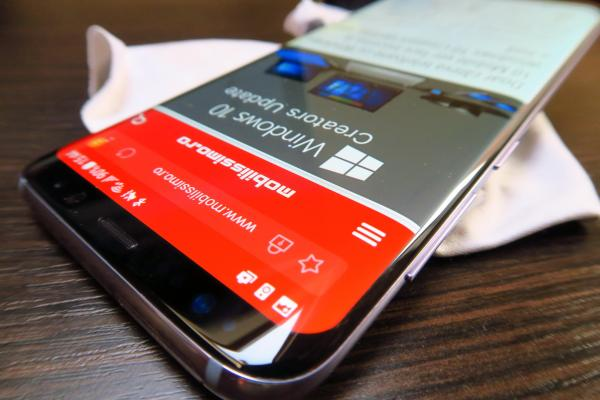 Samsung Galaxy S8: Display curbat superb, extra luminos, aspectuos, imersiv