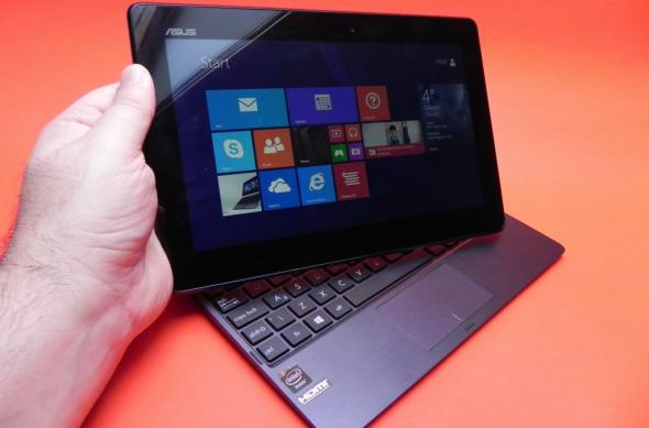 ASUS Transformer Book T100TA Review: o primă tabletă atractivă cu CPU Bay Trail și o primă privire asupra lui Windows 8.1 (Video): asus_transformer_book_t100ta_review_mobilissimo_ro_40jpg.jpg