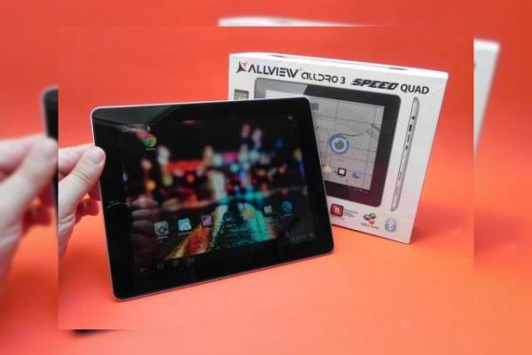 "Allview Alldro 3 Speed Quad Unboxing: prima tabletă autohtonă cu ecran ""Retina"" și CPU quad core (Video)"