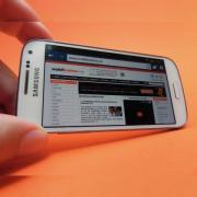 "Review Samsung Galaxy S4 Mini: ""minionul"" lui Galaxy S4 la suprapreț (Video)"