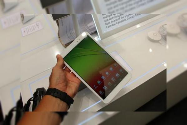 "IFA 2013: LG G Pad 8.3 hands on - analizând ""tableta mai frumoasă decât iPad Mini"" (Video)"