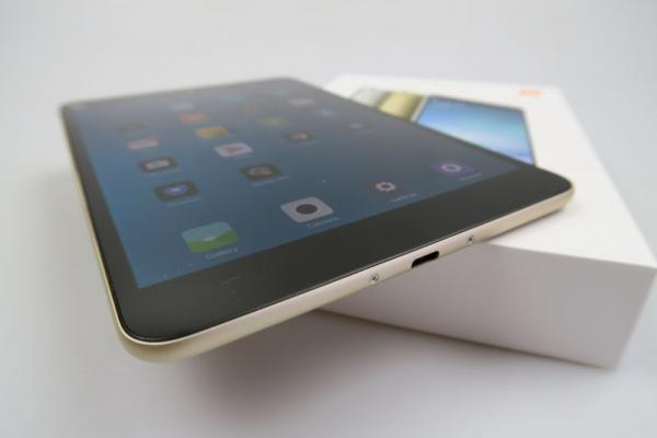 Xiaomi Mi Pad 2 Unboxing: scoatem din cutie cel mai nou iPad Mini killer chinez (Video)