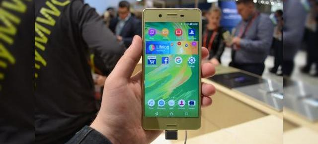 MWC 2016: Sony Xperia X prezentare hands-on - midranger elegant cu cameră peste medie (Video)