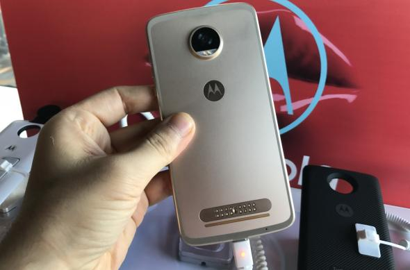Motorola Moto Z2 Play - Fotografii Hands-On de la evenimente: Lansare-Motorola-Moto-Z2-Play-in-Romania_015.jpg