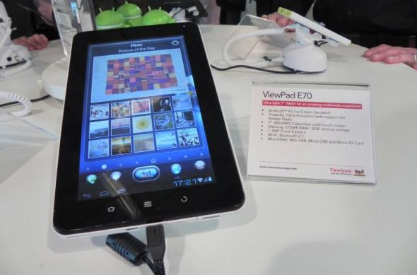 MWC 2012: ViewSonic ViewPad E70 Hands On - tableta Android 4.0 entry level cu interfață 3D (Video): dscn0943jpg.jpg
