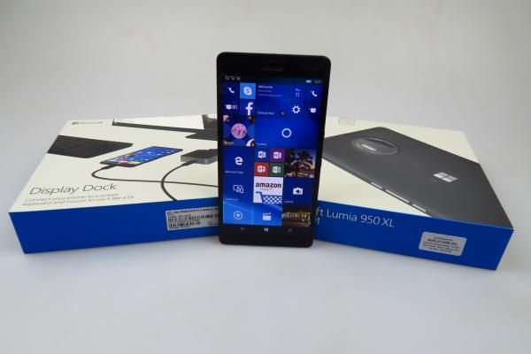 Microsoft Lumia 950 XL - Unboxing
