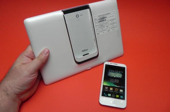 Review ASUS PadFone 2: hibridul ideal, evoluție majoră a primului PadFone (Video): review_asus_padfone_2_mobilissimo_ro_02jpg.jpg