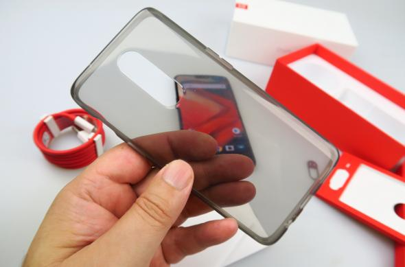 OnePlus 6 - Galerie foto Mobilissimo.ro: OnePlus-6-Unboxing_062.JPG