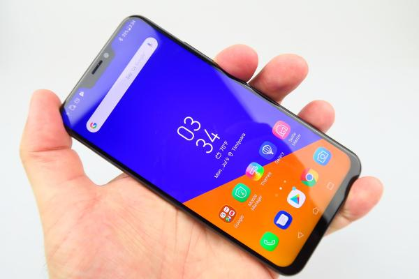 ASUS ZenFone 5z (ZS620KL) - Galerie foto Mobilissimo.ro