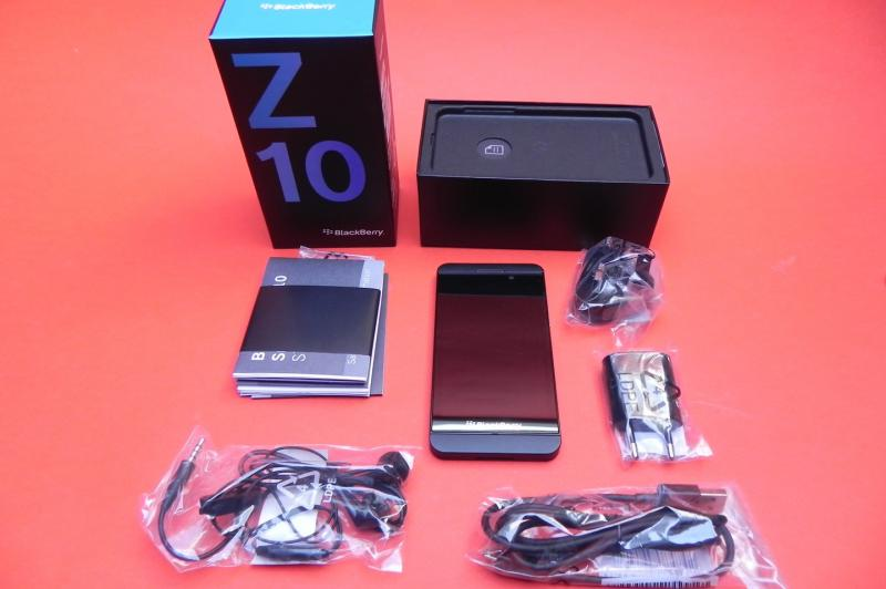 BlackBerry Z10 - Unboxing: BlackBerry-Z10-Unboxing_002.jpg